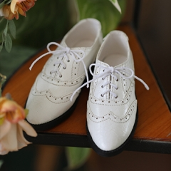 74 Male Wei Jie White leather shoes